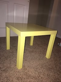 Yellow square wooden table  Manassas, 20109
