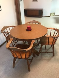 Round brown wooden table with four chairs dining set Lisbon, 52253