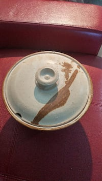 Beautiful Pottery Crock with Lid Vaughan