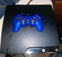 black Sony PS4 game console with controller Houston, 77050