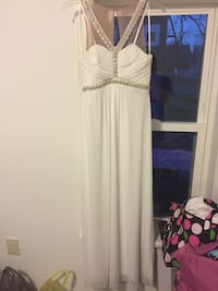 Women's white and silver dress Myerstown