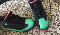 pair of green-and-black Nike basketball shoes Glendale, 85301