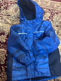 Boys snow jacket size 5 Hamilton, L8W