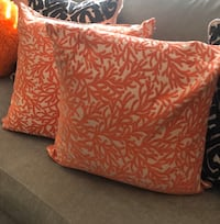 Orange accent pillows Hampton, 23666