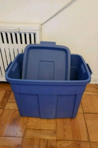 blue plastic container with lid Toronto, M6K 2K2