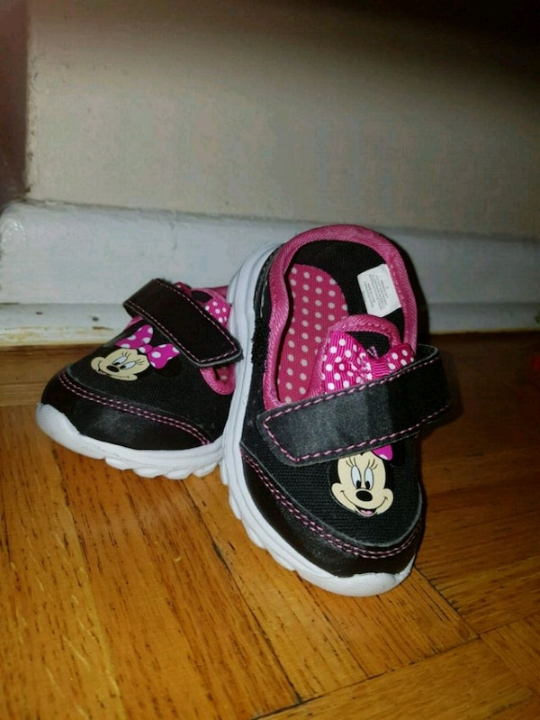 be1b8ced1a1a Used Minnie Mouse Shoes size 5 for sale in Toronto - letgo