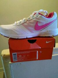 unpaired white and pink Nike Air Max shoe with box Lanett, 36863
