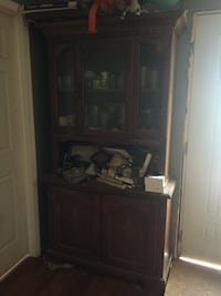 Hutch china cabinet Akron, 46910