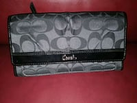 Coach Wallet - like new/non-smoking -