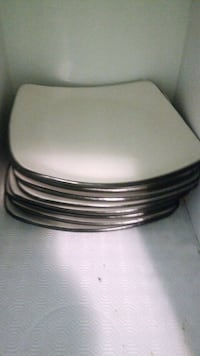round white ceramic plate lot Milton, L0P 1B0