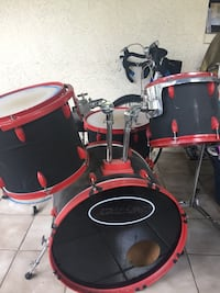 red and black drum set Melbourne, 32934