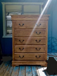 Wooden chest of drawers dresser Cleveland, 77328