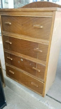 chest of drawers  Oklahoma City, 73107