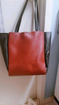 Large  purse from  Joe's  St. Catharines, L2M 4G1