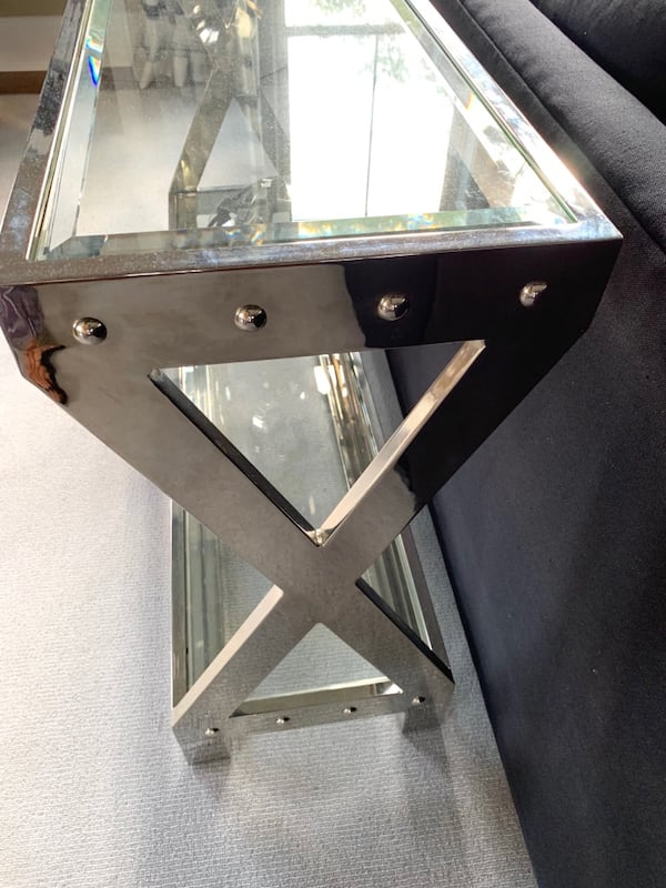Chrome and glass heavy weight Sofa table 555ff843-4ee3-493e-bacb-f90994220977