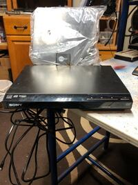 Sony Dolby digital HDMI CD/DVD player comes with Clear TV antenna