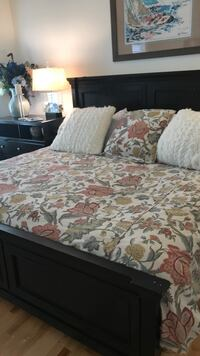 white and red floral bed sheet Saratoga Springs, 12866