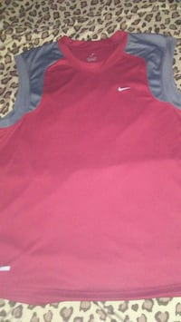Size large too small for him never wore $8 Nike Winnipeg, R3T 3X8