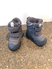 Children's place infant snow boots size 5 Manassas