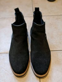 Floyd Suede Chelsea Boots