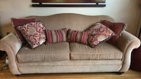 couch with pillows Bensalem, 19020