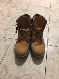Tim boots size 9 1/2 Temple, 76504