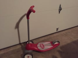 Radio flyer 3-wheeled kick scooter