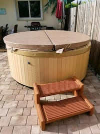 Hot tub with gfi breaker included  Parrish, 34219