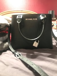 Black leather handbag Las Vegas, 89145
