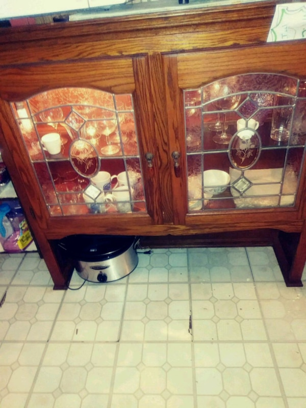 BEAUTIFUL LIGHTED HUTCH TOP