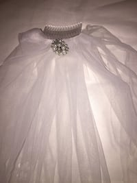 1 Tier White Wedding Floral Bridal veil elbow With Veil with Comb Alexandria, 22315