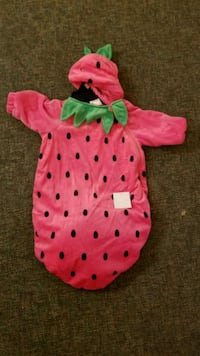 O-6 month strawberry baby costume Honolulu, 96814