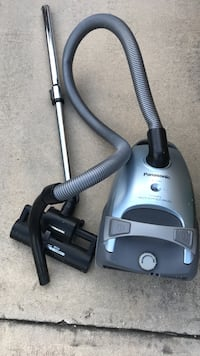 gray and black canister vacuum cleaner Davenport, 33897