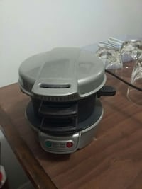 gray and black waffle maker Hampstead, H3X 1S2