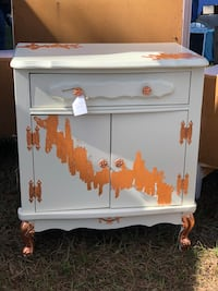 French provincial night stand/side table Land O Lakes, 34638