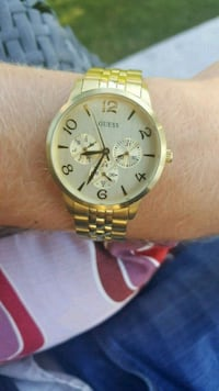 Guess watch. Grimsby, L3M 4C6