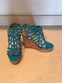 Ladies Brand New Charles David Turquoise Suede Ankle Wedge Sandals Size 7  Lansdowne