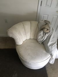 white fabric padded sofa chair Silver Spring, 20901