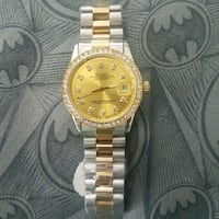 round gold-colored analog watch with link bracelet Oshawa, L1J 6A2