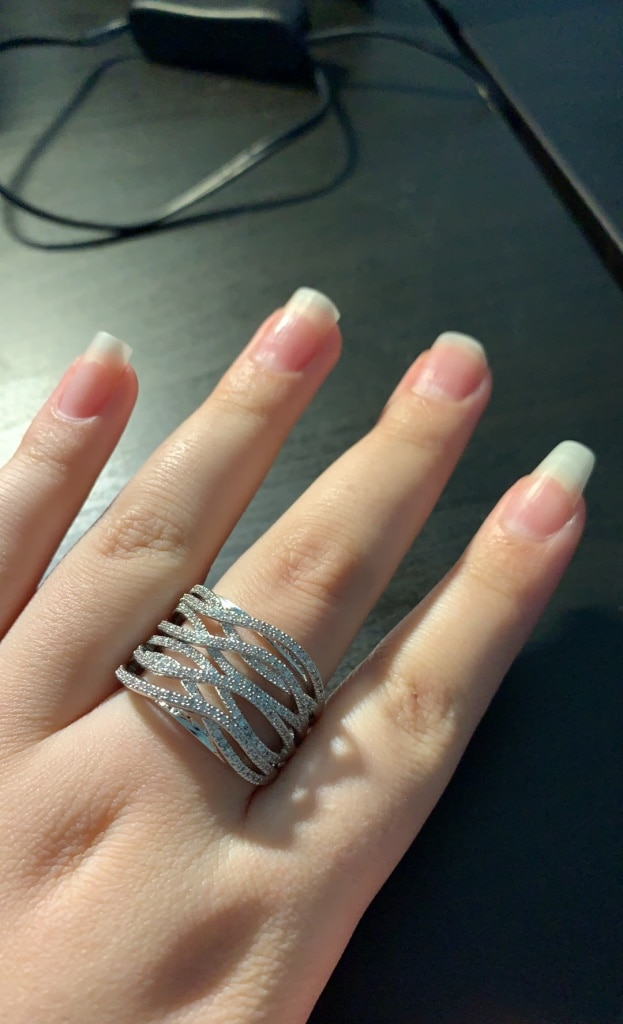 Photo NEW Sparkling Silver Criss Cross Ring