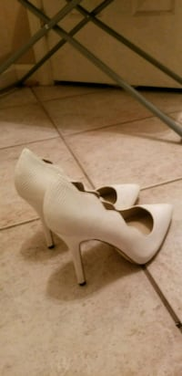 pair of white leather peep-toe heeled shoes Hyattsville, 20784