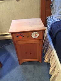 wooden nightstand Oyster Bay, 11797