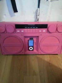 Pink stereo by IHOME  Victoria, V8W