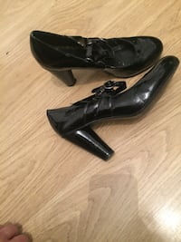 pair of black leather heeled shoes London, E17 3JH