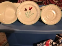 5 Bowls, 6 Desert Plates, & 8 Saucers  Matching set Baltimore, 21224