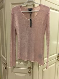Pink knit top size xs Pointe-Claire, H9R 3J3