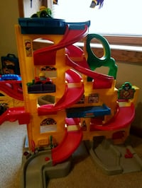 Little Tykes Ramp includes 2 cars Glyndon, 56547