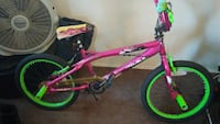 Girls bike...only needs air in tires/sest torn Bakersfield, 93301