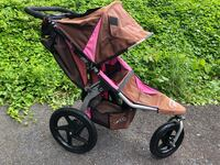 Baby's black and pink jogging stroller Alexandria, 22310