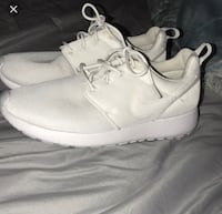SIZE 8.5 NIKE ROSHES Vaughan, L4H 0S8